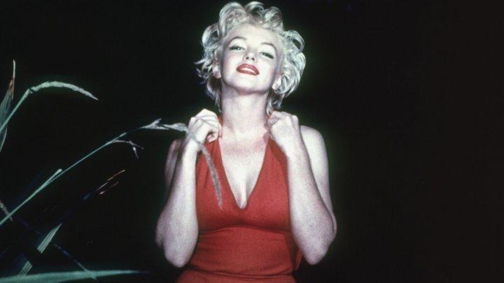 Rochiile actriţei Marilyn Monroe au fost vândute la liciteție cu sute de mii de euro