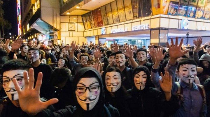 Proteste Hong Kong: Un parlamentar pro-Beijing, înjunghiat