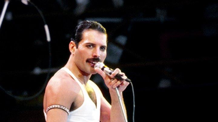Ultima scrisoare trimisă de Freddie Mercury unui fan club al trupei Queen, scoasă la licitaţie