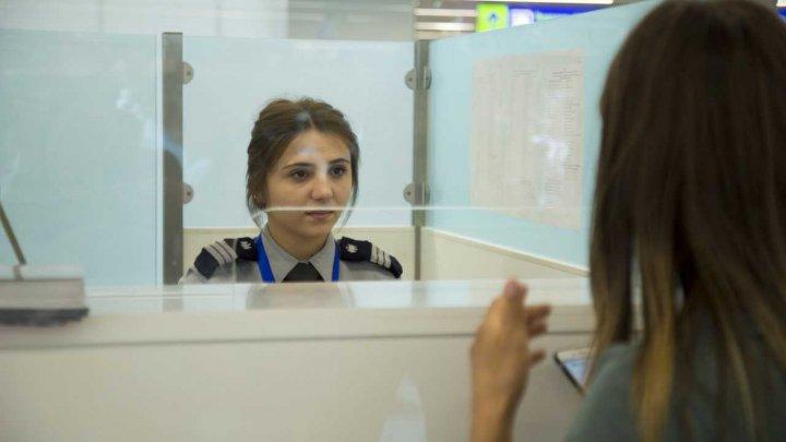 Un cartuş de luptă şi acte false depistate în bagajele pasagerilor pe aeroportul din Chişinău