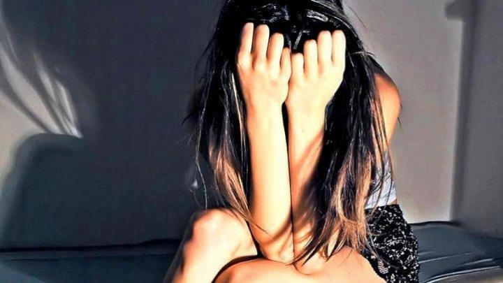 ŞOCANT! O mamă și-a găsit fetița de 15 ani, pe care o declarase dispărută, pe un site pentru adulţi