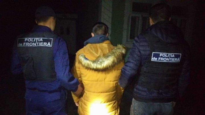 O grupare specializată în migrația ilegală, destructurată la Ungheni. Suspecţii au obținut venituri de câteva mii de euro