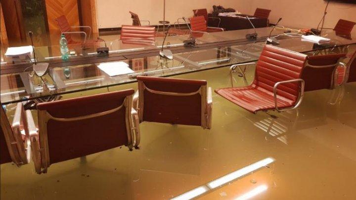 Consiliul regional Veneto, inundat la scurt timp după ce a refuzat măsurile pentru combaterea schimbării climatice