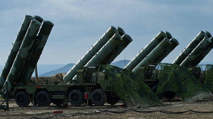 Turcia îşi va activa rachetele antiaeriene ruseşti, în ciuda ameninţărilor cu sancţiuni americane