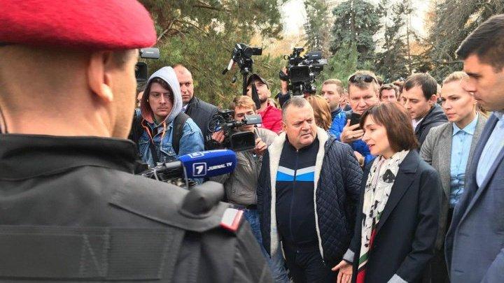 Maia Sandu a revenit de unde a pornit. Mesajul premierului demis de la protestul din faţa Parlamentului