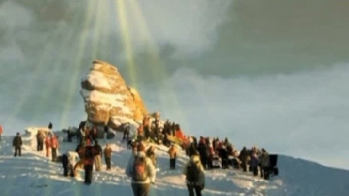 Fenomen extraordinar astăzi în România! Piramida magică din Munţii Bucegi care apare o dată pe an