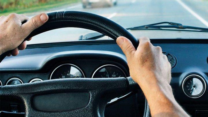 Un curier, care a condus 40 de ani fără permis, prins de poliție