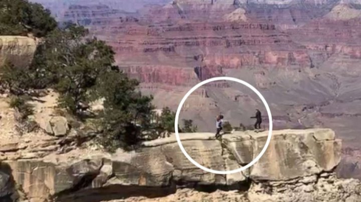 O adolescentă din SUA, la un pas să cadă într-o prăpastie din Marele Canion încercând să facă o poză (VIDEO)
