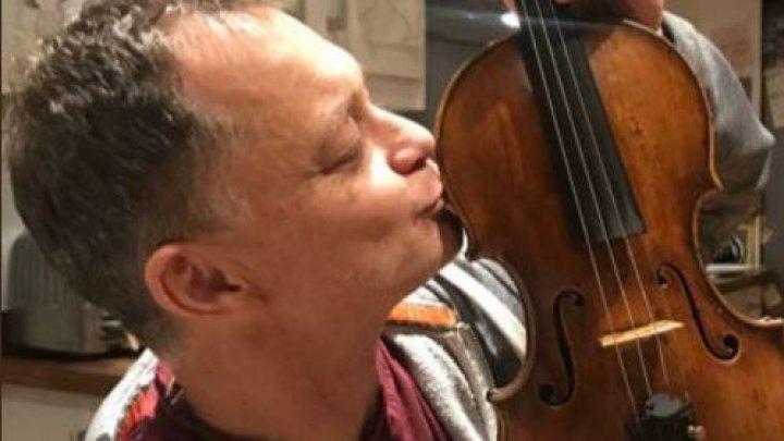 """O vioară veche de peste 300 de ani, uitată într-un tren, returnată proprietarului după """"negocieri secrete"""""""