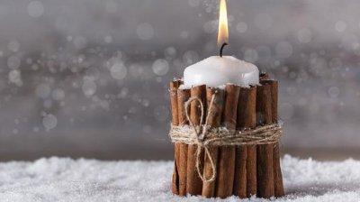 Faptă plină de lumină. Peste 20 de elevi de la o școală profesională din Bubuieci au confecționat lumânări din ceară naturală
