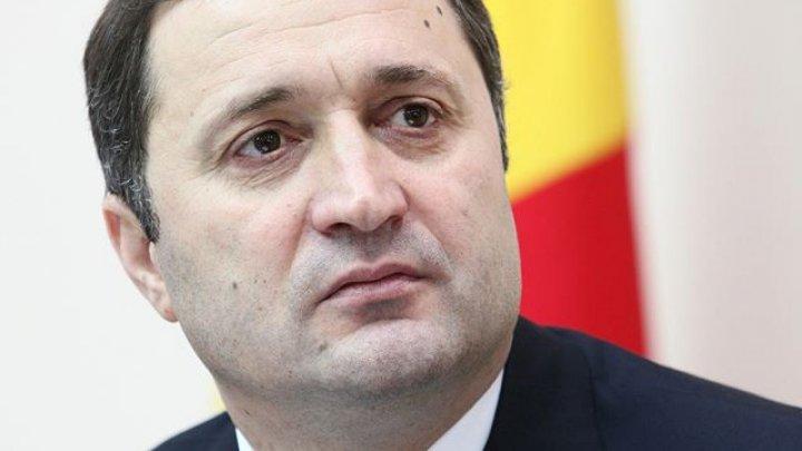 Vlad Filat le-a răspuns la telefon jurnaliștilor de la PUBLIKA