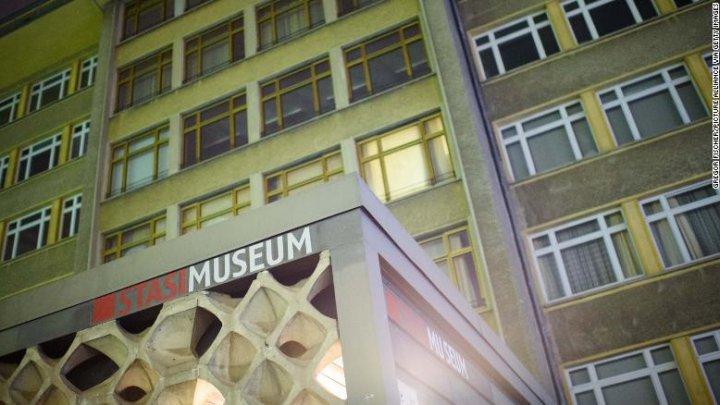 Muzeul Stasi din Berlin a fost jefuit. Ce au sustras hoţii