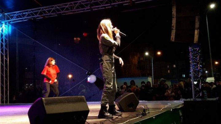 Adolescenta-fenomen! Mii de copii și adolescenți la concertul Iulianei Beregoi în România (FOTO)