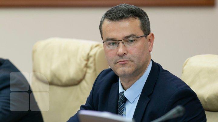 Reacţia ministrului Anatol Usatîi cu privire la greva transportatorilor: O simplă majorare a tarifului nu va rezolva problema