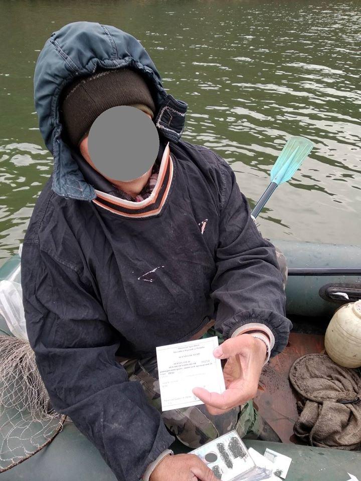 S-au pornit la vânătoare, dar s-au ales cu amenzi. Inspectorii pentru protecţia mediului le-au stricat cheful mai multor vânători, care au încălcat legislaţia (FOTO)