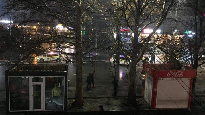 ACCIDENT VIOLENT în sectorul Rîșcani al Capitalei. O FEMEIE a fost LOVITĂ în timp ce traversa strada (FOTO)