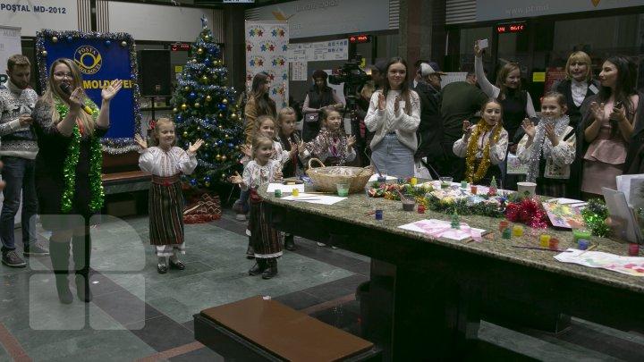 Zeci de micuţi din Capitală s-au întâlnit cu Moș Crăciun. Ce cadouri au cerut (FOTOREPORT)