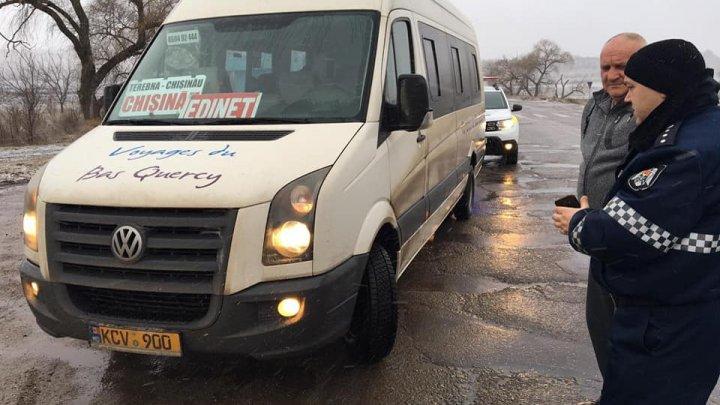 Microbuzele de pe rutele interurbane, verificate de inspectorii de patrulare. Scopul care a stat la baza executării controalelor