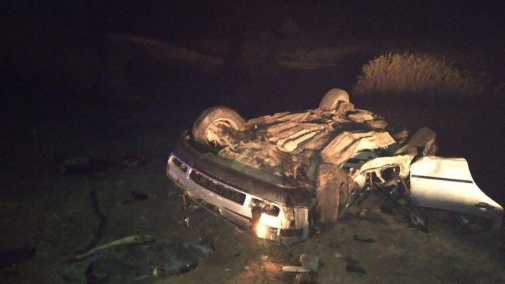 DETALII NOI despre ACCIDENTUL TRAGIC din Ungheni în care două tinere au murit: Şoferul ar fi sărit din maşină