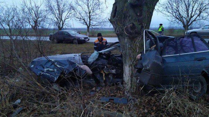 Grav accident lângă satul Butuceni din stânga Nistrului. Şoferul a murit pe loc