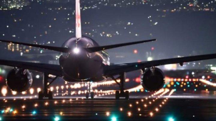 O tânără din California a furat un avion de un milion de dolari şi l-a pilotat până în prima clădire