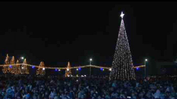 ATMOSFERĂ DE BASM LA TARACLIA. Târgul de Crăciun a devenit principala atracție din sudul țării