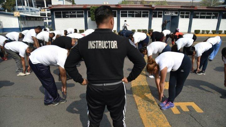 Poliţiştii supraponderali şi obezi din Mexic, obligaţi să ţină dietă şi să facă exerciţii fizice