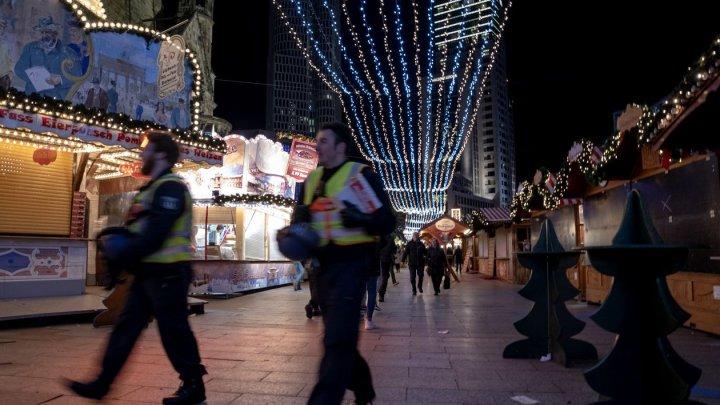 Târgul de Crăciun din Berlin, evacuat din cauza unui colet suspect