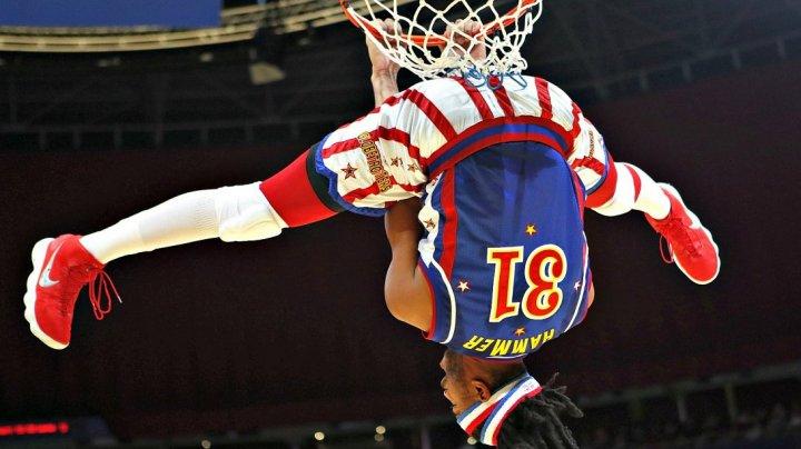 Slam dunk de la patru mii de metri. Hammer Harrison a îmbinat skydiving-ul cu baschetul