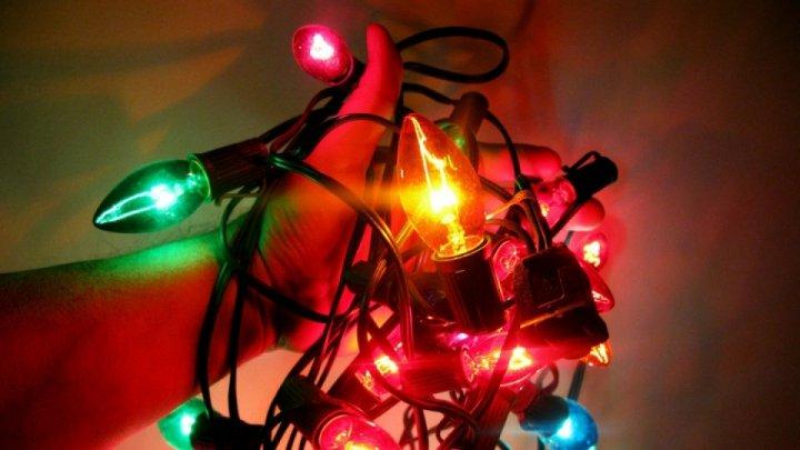 Centrul Național pentru Protecția Consumatorilor: 60% dintre ghirlandele luminoase sunt periculoase