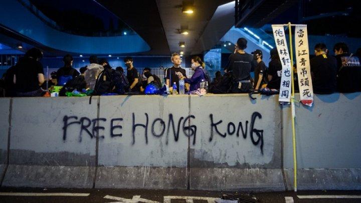 Marea Britanie îndeamnă China la dialog cu protestatarii din Hong Kong