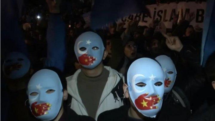 Mii de oameni au protestat la Istanbul. Cine sunt și ce îi nemulțumește pe oameni