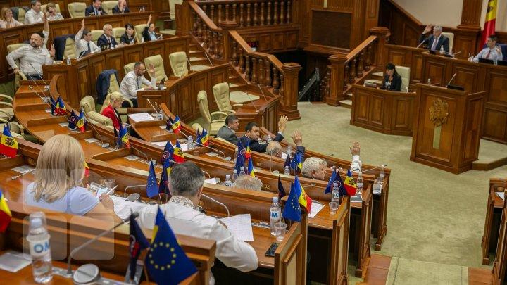 Deputații revin la muncă! Când va avea loc prima ședință a Parlamentului din acest an