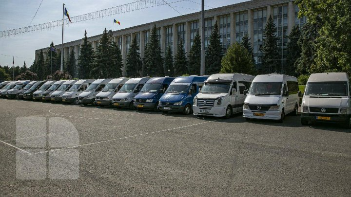 Transportatorii cer majorarea tarifului pentru călători şi ameninţă cu proteste (DOC)
