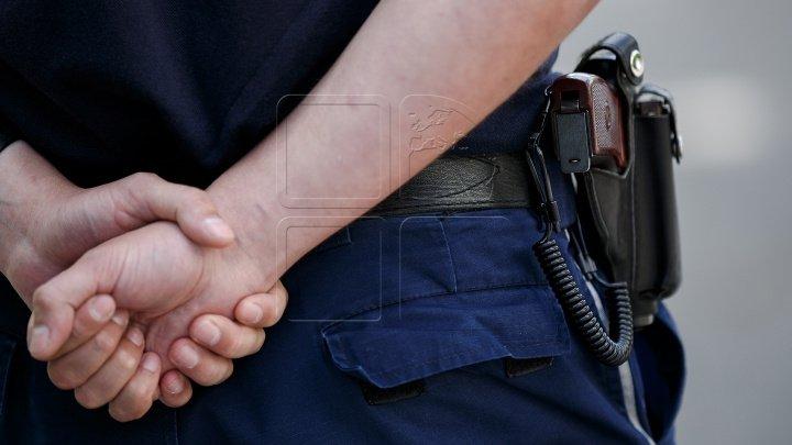 Trei poliţişti din Bălţi şi Ocniţa, trimişi în judecată. Aceştia sunt bănuiţi de corupţie