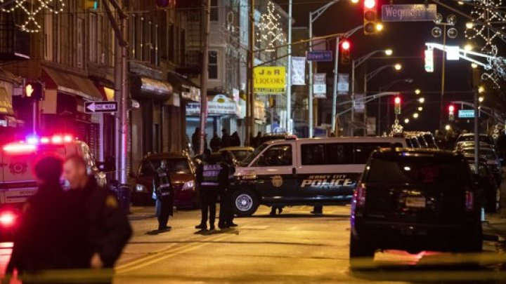 Atac armat în Chicago: Un atacator a făcut CARNAGIU. Cel puțin 11 oameni, răniți