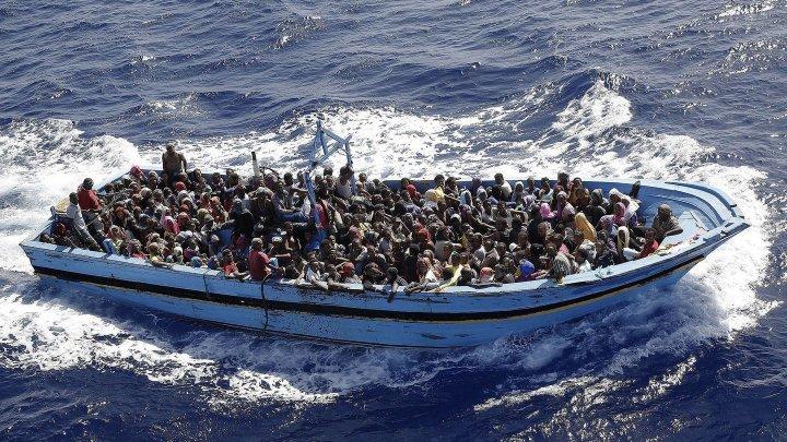 O ambarcaţiune cu zeci de migranți la bord s-a scufundat în largul insulei Creta. 30 de oameni, salvați