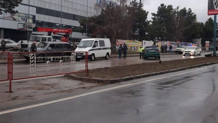 ACCIDENT FATAL pe strada Calea Orheiului. Un bărbat a murit pe loc (FOTO)
