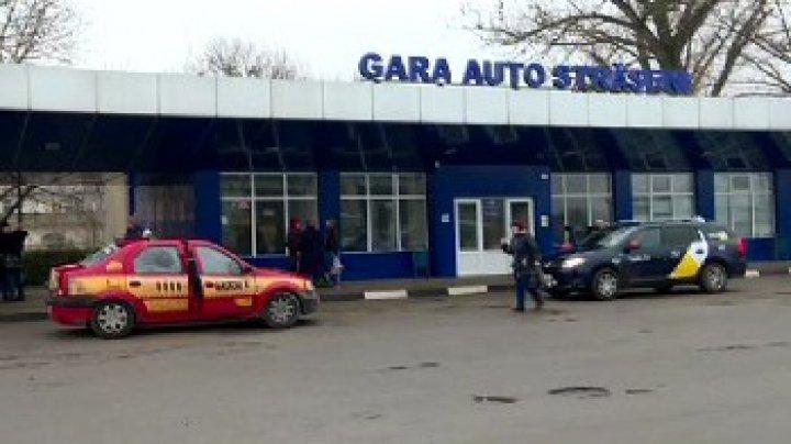 Zeci de călători, BLOCAȚI în GĂRI din cauza protestelor: Este bătaie de joc (FOTO)