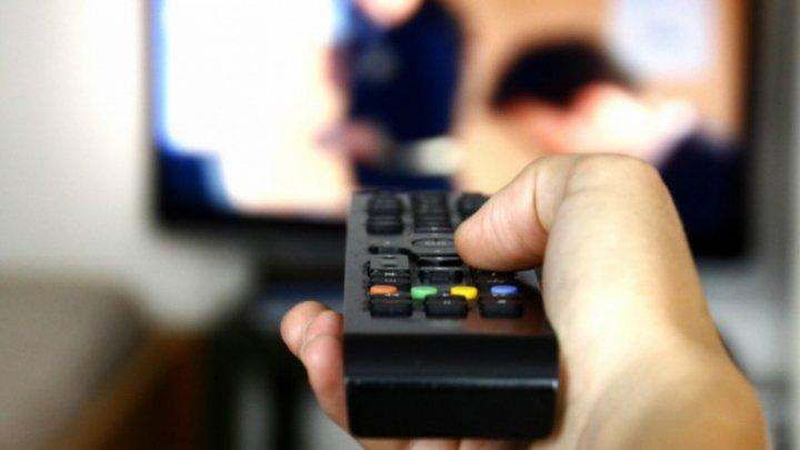Lecții la televizor: Posturile TV vor transmite cursurile pentru elevi