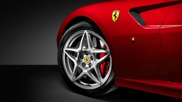 Ferrari a anunţat când va fi lansat primul său model complet electric