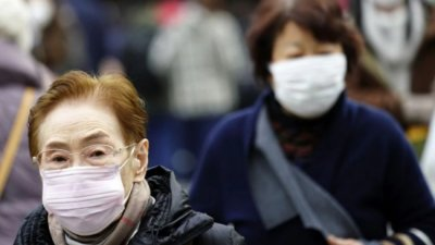 Coronavirus: Purtarea măştilor nu garantează protecţia absolută împotriva transmiterii virusului