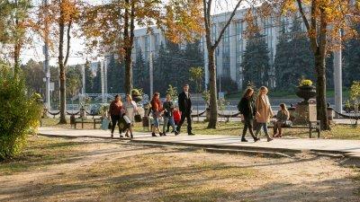 Sărăcia, pandemia şi şomajul, principalele griji ale moldovenilor
