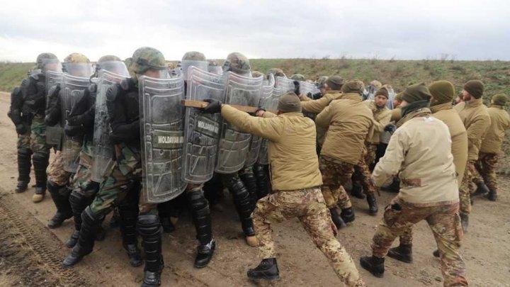 Cu ce se ocupă militarii moldoveni în Kosovo (FOTO)
