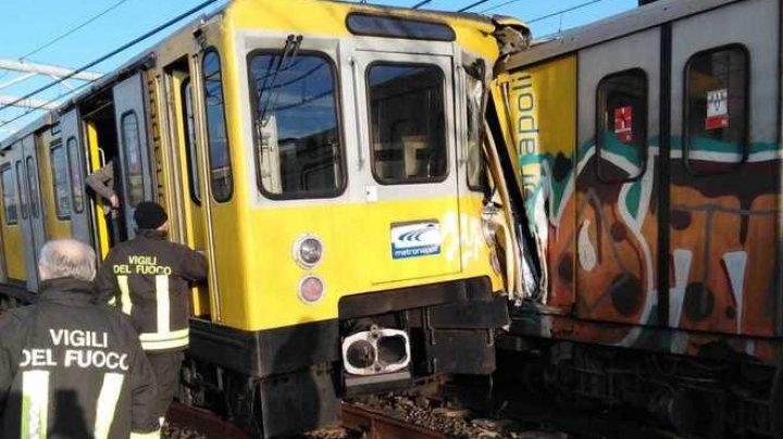 Accident feroviar în metroul din Napoli: două trenuri s-au ciocnit violent. 13 răniţi transportaţi la spital (VIDEO)