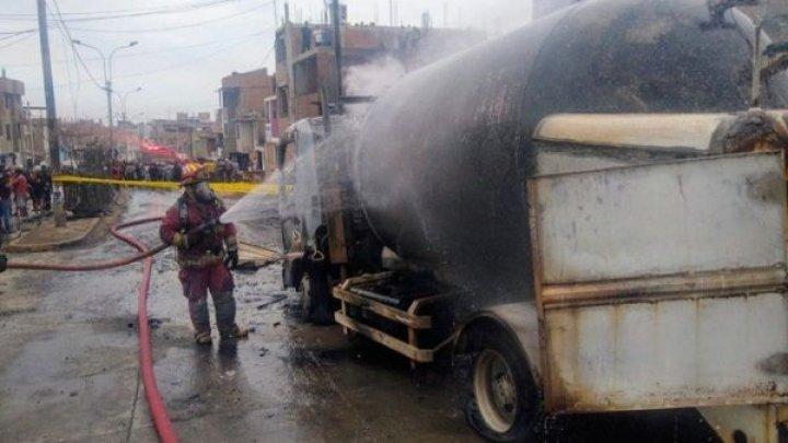 Explozia unui camion în Peru: Cel puţin 14 morţi