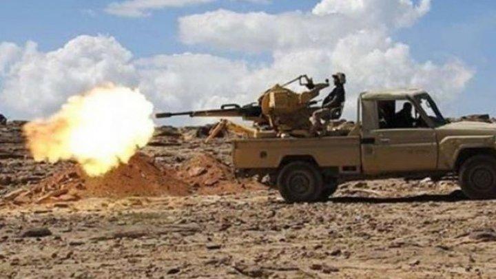 Atac al grupării rebele houthi împotriva unei tabere militare: Cel puţin 60 de morţi