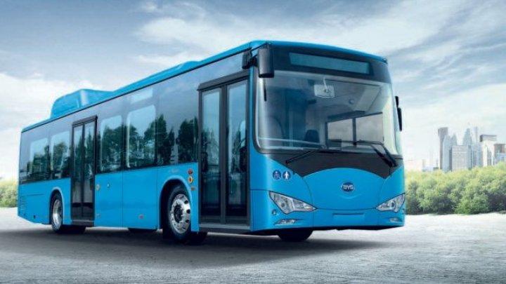 Mangalia este primul oraş de pe litoral care achiziţionează autobuze electrice
