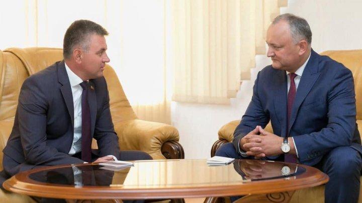 Igor Dodon a discutat cu Vadim Krasnoselskii despre INTERDICŢIA impusă de Tiraspol şoferilor moldoveni