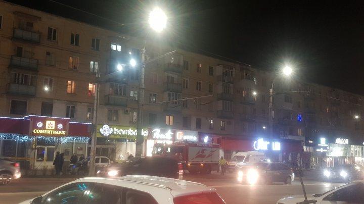 Stare de alertă pe strada Kiev din Capitală. Poliţiştii, pompierii, geniştii, dar şi o ambulanţă, la faţa locului (FOTO/VIDEO)